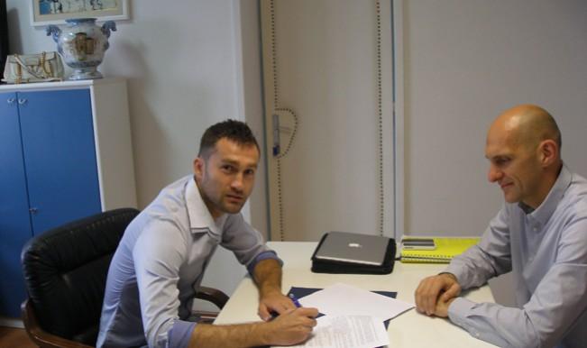 Dario Knežević jutros je potpisao ugovor na tri godine sa Rijekom